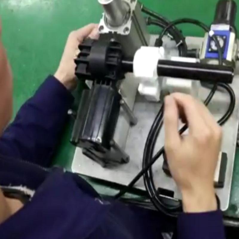 苏州某有限公司手持推拉式打螺丝机锁电器产品案例