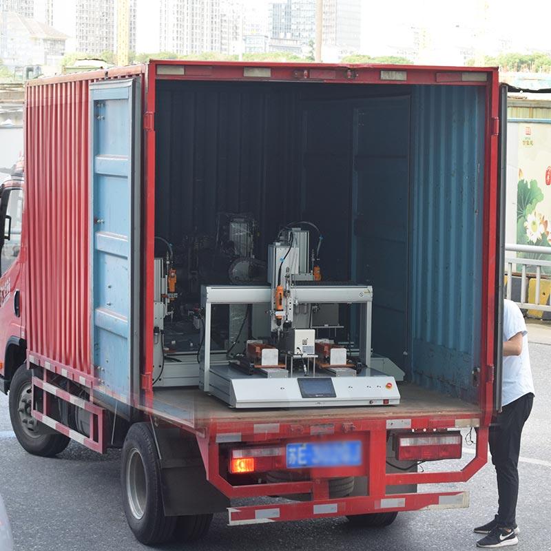 嘉宝坐标式自动打螺丝机装车出货